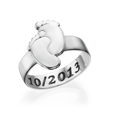 Engraved Baby Feet Ring - Name My Jewellery